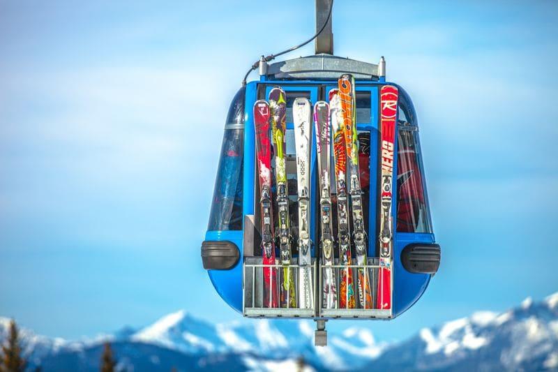 Przygotuj się na nadchodzący sezon narciarski: dowiedz się, jak dobrać narty!