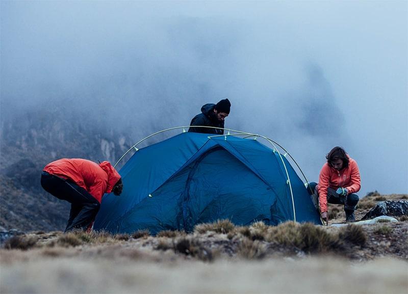 Jak rozłożyć namiot? Skorzystaj z naszych instrukcji!