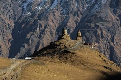 Góry w Gruzji: gdzie warto uprawiać trekking oraz jak się przygotować do kaukaskich wędrówek?