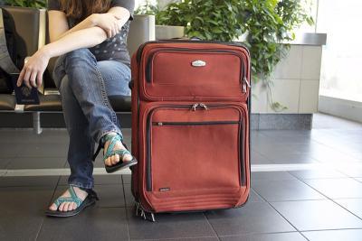 Utrata dowodu osobistego za granicą - co robić?