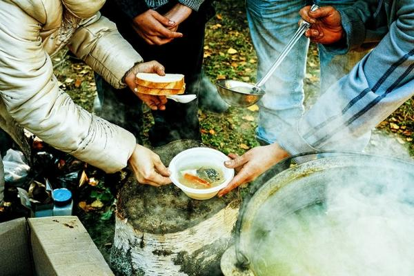 Jedzenie w góry - co sprawdza się na górskim szlaku?