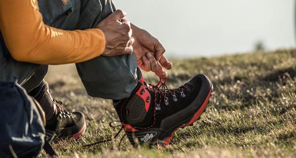 Śmierdzące buty trekkingowe - jak pozbyć się z nich nieprzyjemnego zapachu?