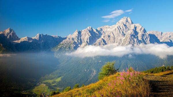 Dolomity: sprawdź, co mają do zaoferowania najpiękniejsze góry świata!