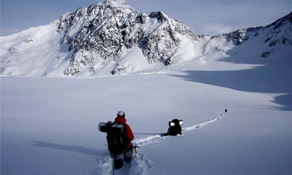 Zimowe wyjście w polskie góry.  Co ze sobą zabrać i na co się przygotować?