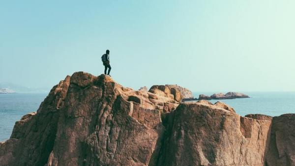 Czym różnią się: hiking, trekking i backpacking? Porównanie form aktywności outdoorowych