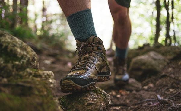 Jakie skarpety wybrać w góry? Na co zwrócić uwagę dobierając skarpety do górskich wycieczek?