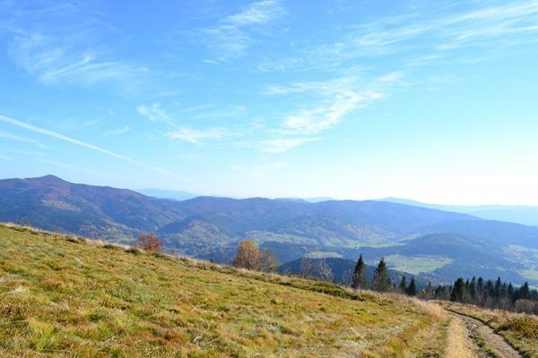 Mogielica, czyli najwyższy szczyt Beskidu Wyspowego (1170 m n.p.m.) - najlepsze szlaki turystyczne i inne atrakcje