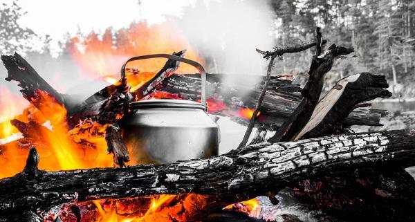 Jakie naczynia turystyczne warto zabrać ze sobą na górską wyprawę lub biwak?