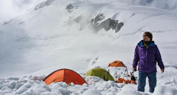 Jaki namiot zimowy wybrać? 5 praktycznych wskazówek, o których warto pamiętać
