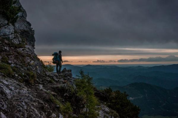 Nawigacja w górach – jak poradzić sobie na szlaku? Jakie akcesoria przydają się do nawigacji na szlaku?