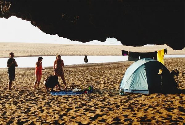 Planujesz wakacje na morzem? Oto 7 rzeczy, które warto zabrać ze sobą