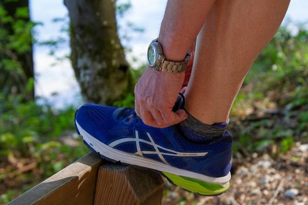 Jak wyprać buty? Poznaj kilka sprawdzonych sposobów!