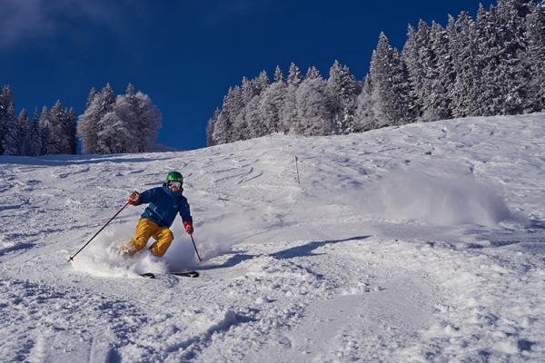 Jak dobrze wybrać spodnie narciarskie czy snowboardowe?
