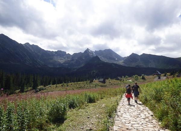 Łatwe trasy w Tatrach – najlepsze propozycje na rodzinne górskie wycieczki