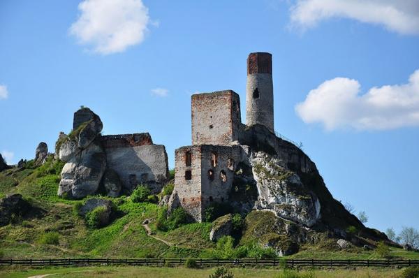 Pomysły na wycieczkę na długi weekend w Polsce. TOP 10 miejsc wartych odwiedzenia z całą rodziną