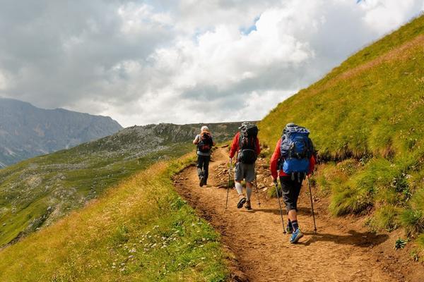 Trekking - czym jest i co powinniśmy wiedzieć o wyprawach dla aktywnych: Wszystko o wędrowaniu