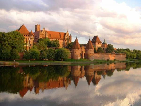 Zamki w Polsce - poznaj te najpiękniejsze! Cz. 1 - Polska zachodnia, Pomorze i Powiśle