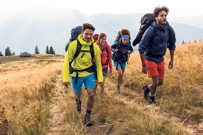 Podpowiadamy jakie krótkie spodenki wybrać na wycieczkę w góry