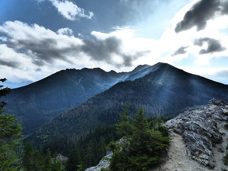 Widok z Gęsiej Szyi na Dolinę Waksmundzką