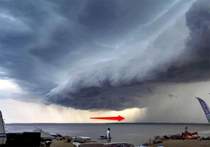jak rozpoznać zmianę pogody - smugi opadów