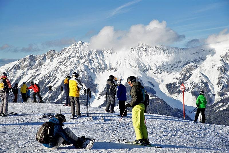 Na nartach w Alpach