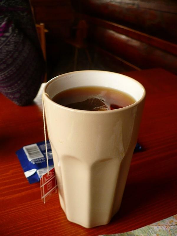 Pyszna herbatka i czekolada, tu akurat wersja bacówkowa z Rycerzowej (fot. autora)