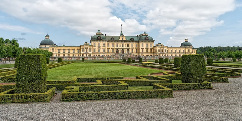 Drottningholm – pałac królewski