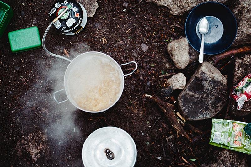 naczynia na biwak
