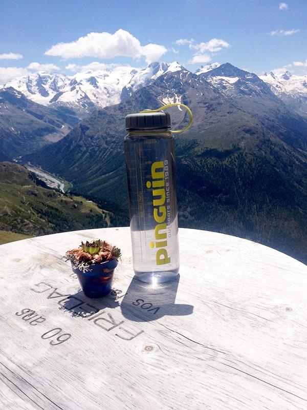 Moja butelka na wodę Pinguin Tritan Bottle. Ze względu na szeroki wlew służy mi głównie do transportowania wody do gotowania na kuchence turystycznej.