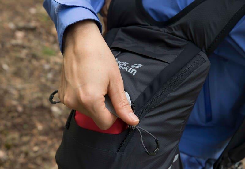 Jak wybrać podręczną saszetkę czy torbę? ⭐ Blog Jack