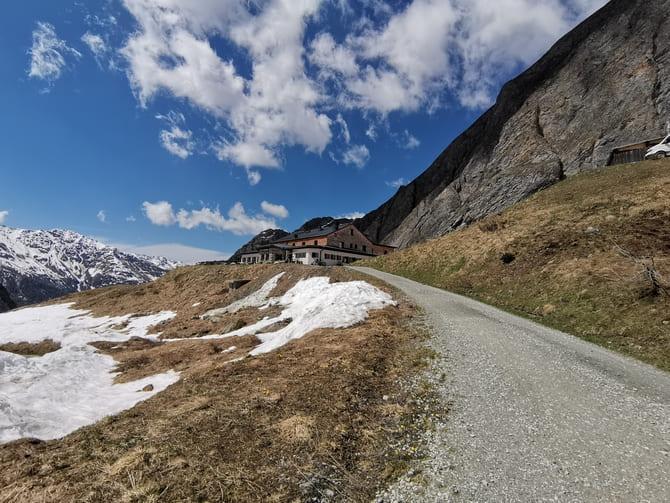 austria najwyższy szczyt  Schronisko Lucknerhütte (2241 m n.p.m.). Fot. Marta Baros.